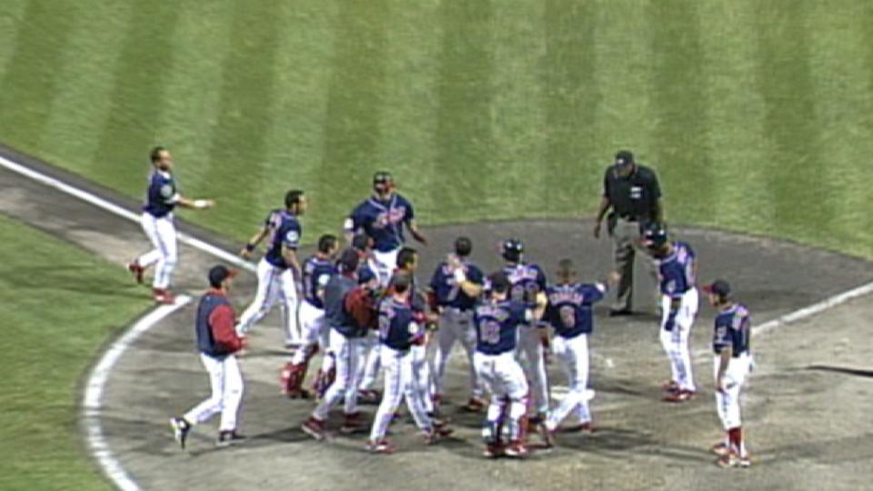 Thome's walk-off homer in 10th