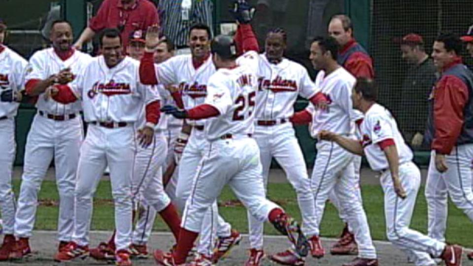 Thome's walk-off homer in 11th