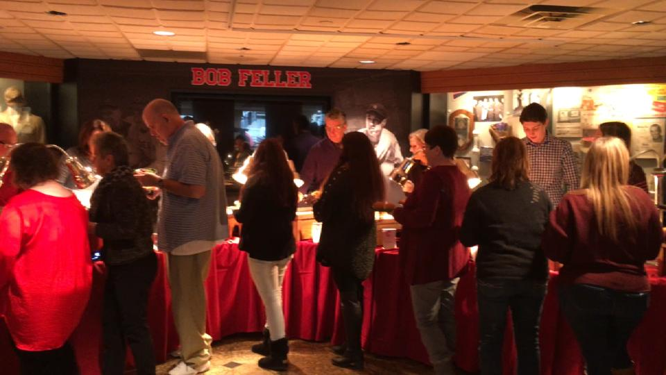 Indians host Thanksgiving event