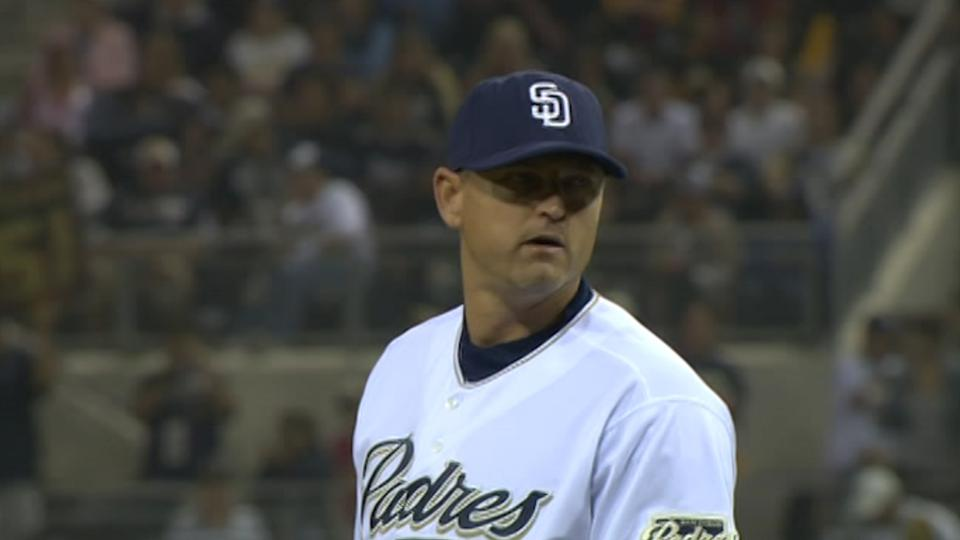 Hoffman's final save for Padres