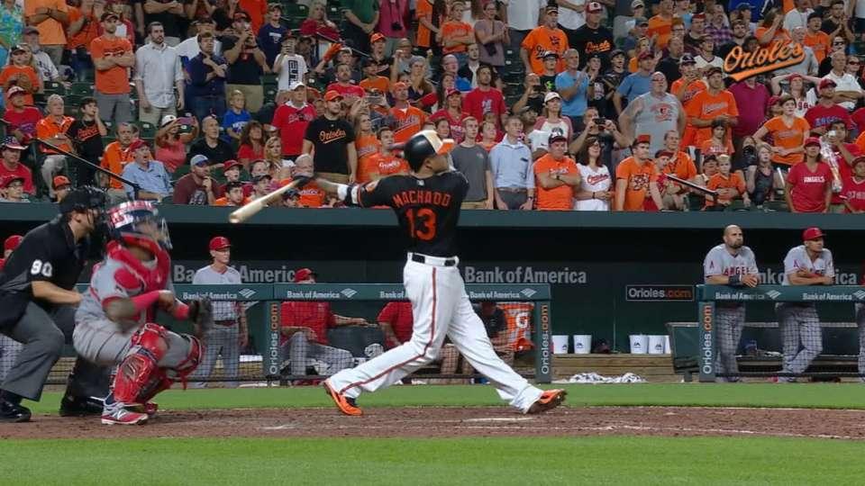 Extended Cut: Machado's walk-off