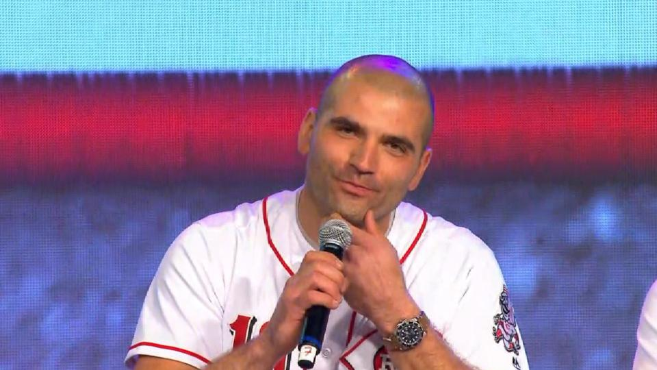 Votto takes questions from kids