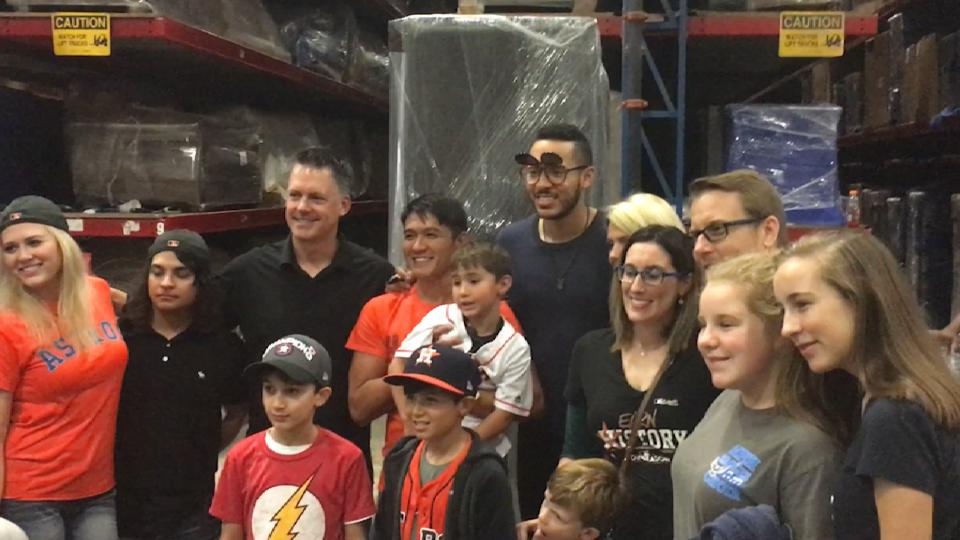 Astros give back to community