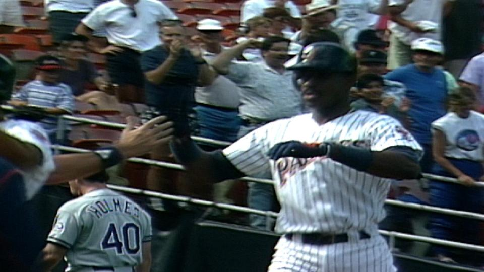McGriff's walk-off homer in 11th