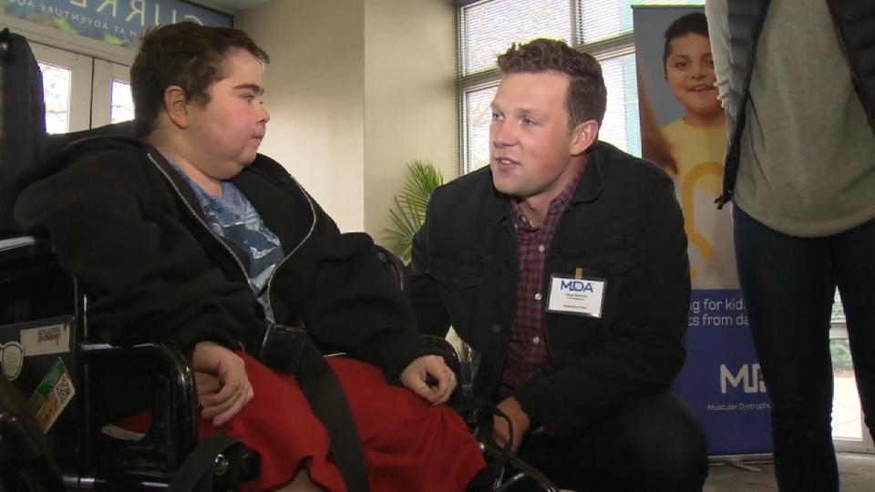 Hoskins helps out at MDA event