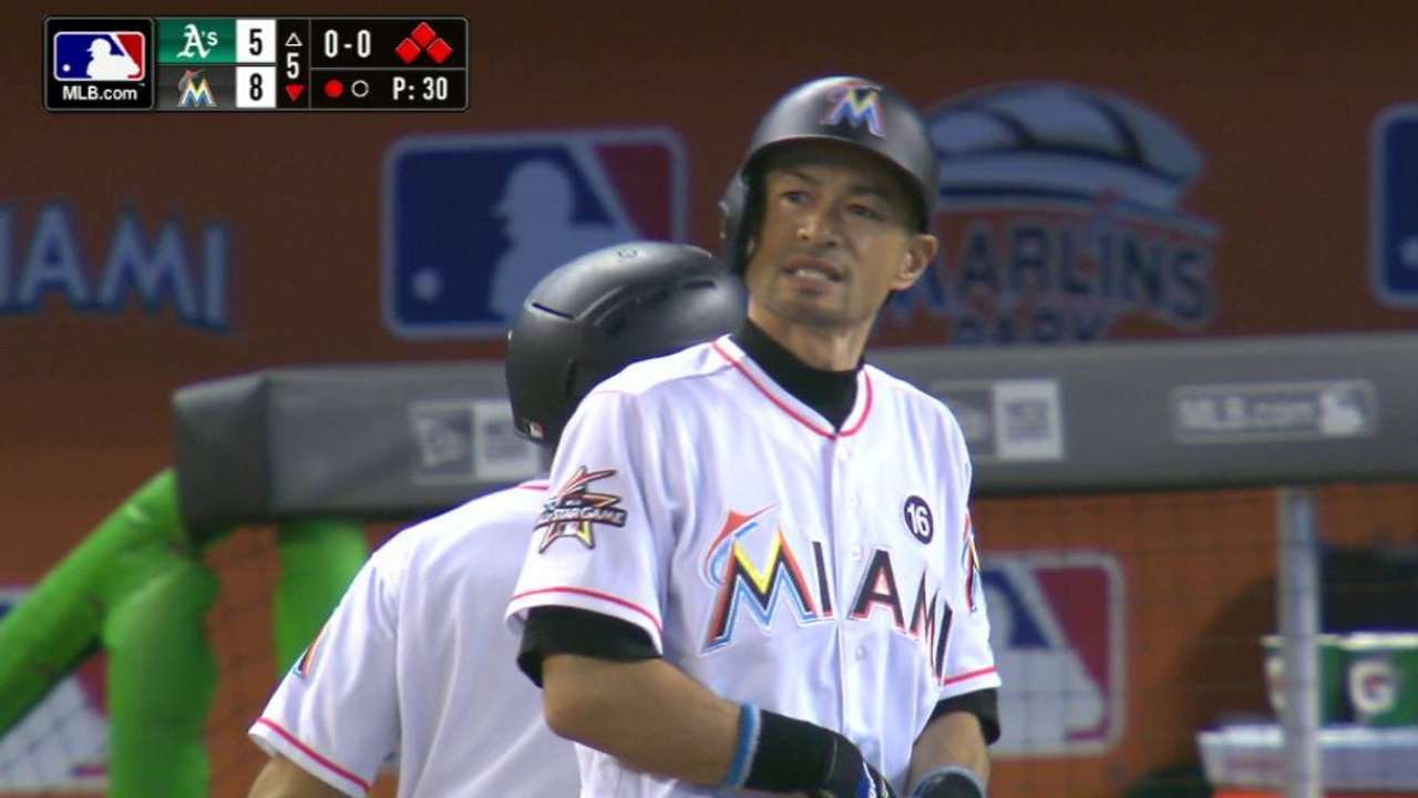 Ichiro hit an infield single to break the Interleague hits