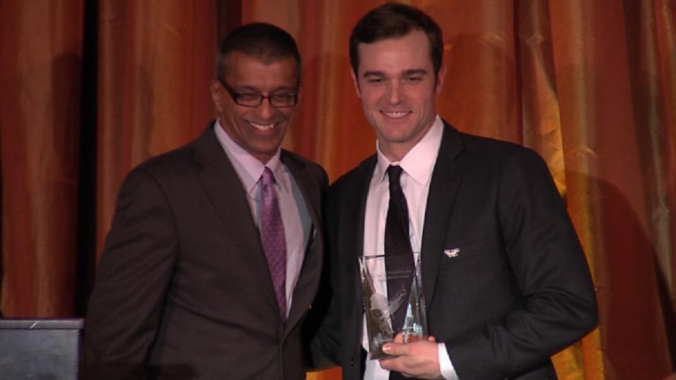 Robertson accepts Munson Award