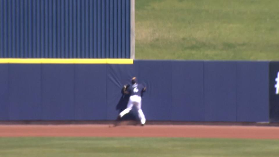 Cain makes a nice catch