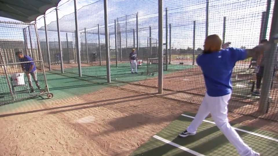 Eric Thames shows off his swing