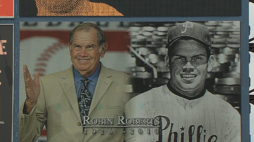 Phillies remember Roberts