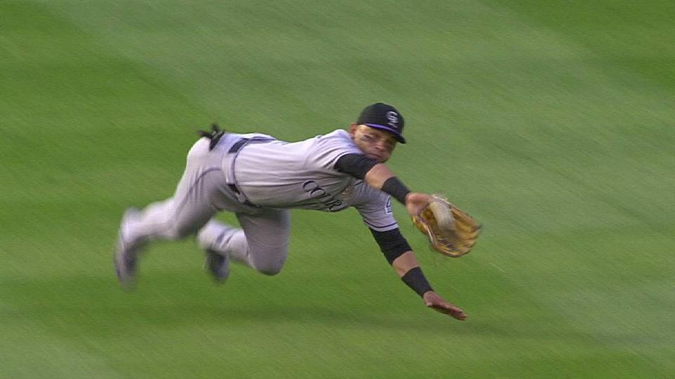 Parra's diving snag in the 1st