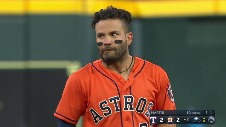 Altuve advances on heads-up play