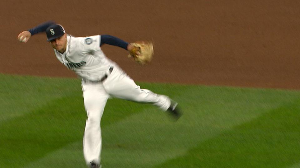Seager's throw nabs Bregman