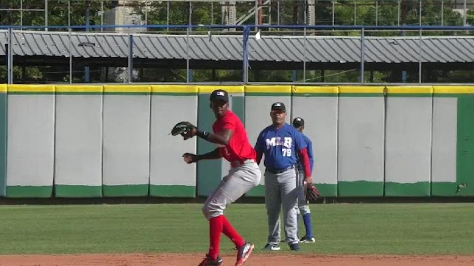 Top Int'l Prospects: Luciano, OF