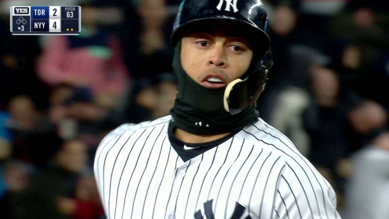Yankees can t silence Jays  bats in 8-5 loss  6854eaf2ac29
