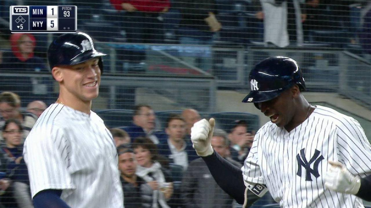 Didi's monster two-run home run