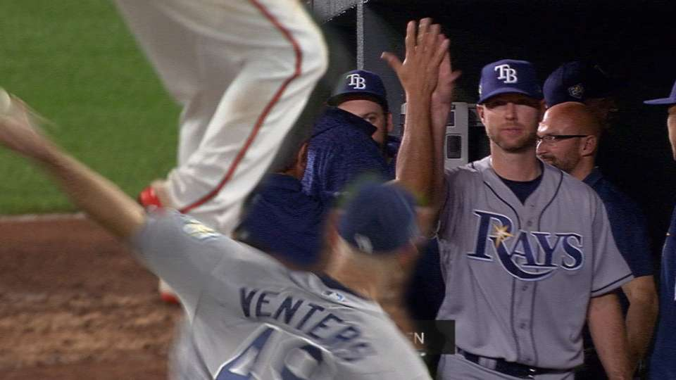 Must C: Venters makes MLB return
