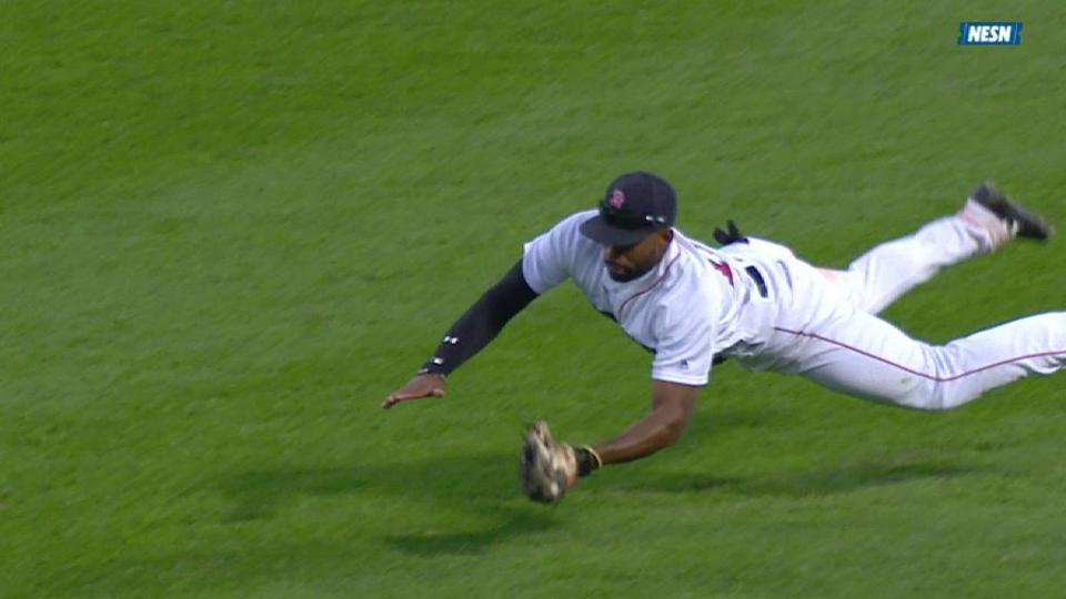 Bradley Jr.'s diving catch