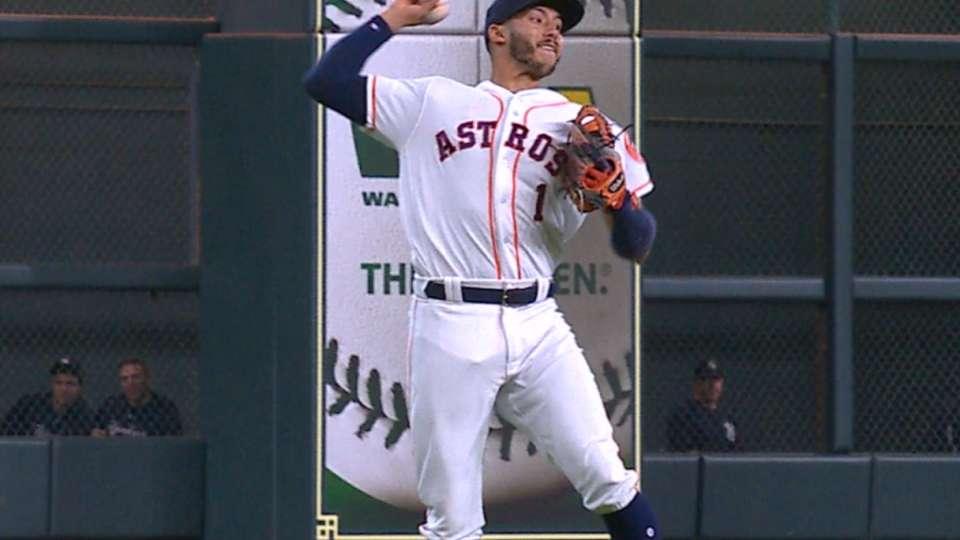 Must C: Correa's amazing throw