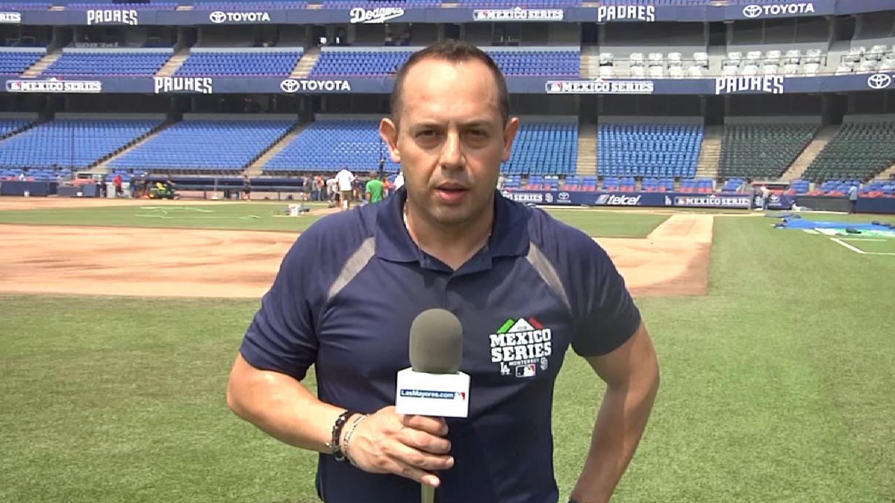 Los Bravos subieron a José Bautista y lo colocaron como tercera base ...