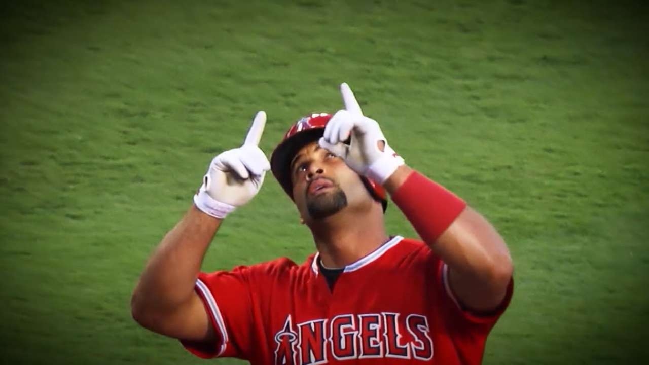 Pujols gets to 3,000 hits