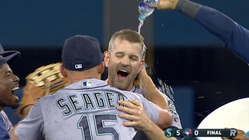 Paxton hurls Mariners' 6th no-no