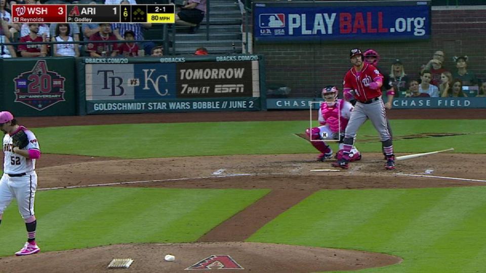 Reynolds' long solo home run