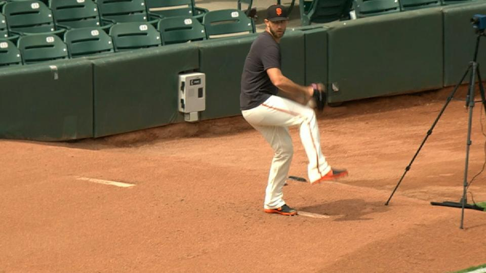 Bumgarner throws 20-pitch 'pen