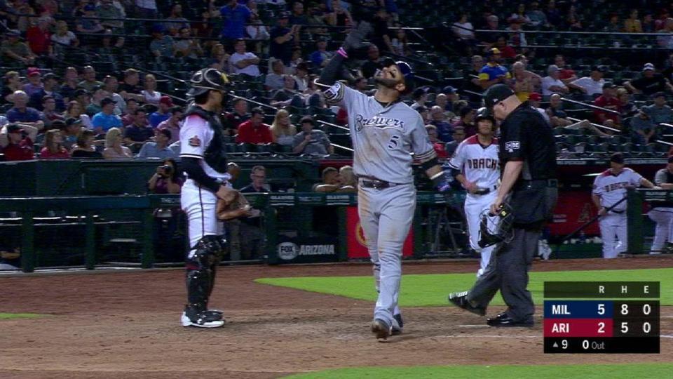 Villar's solo home run