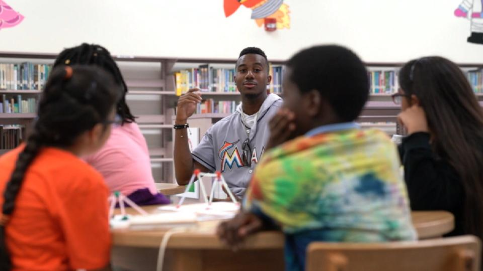 Marlins visit local schools