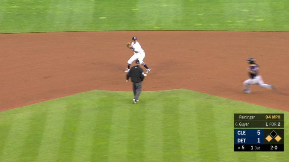 Reininger forces a double play