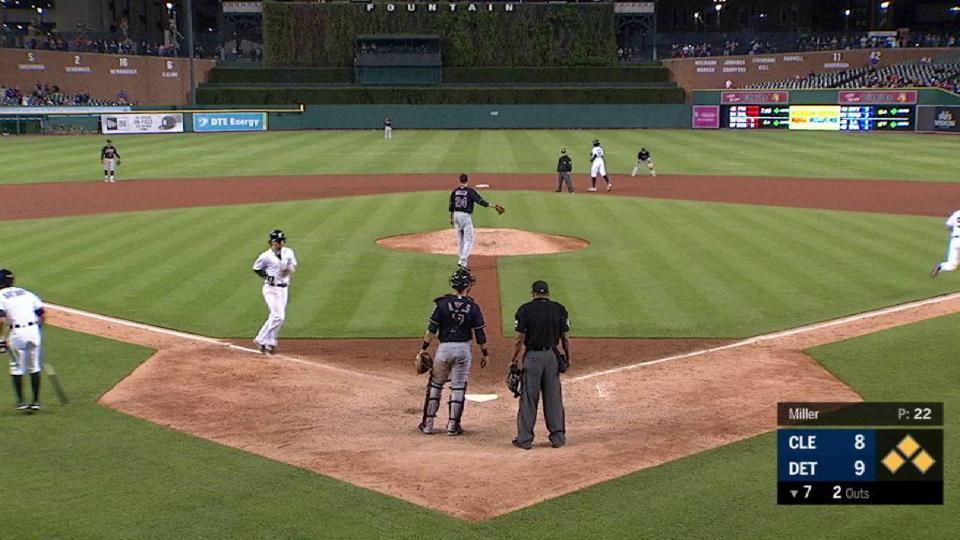 Hicks' 2-out go-ahead walk
