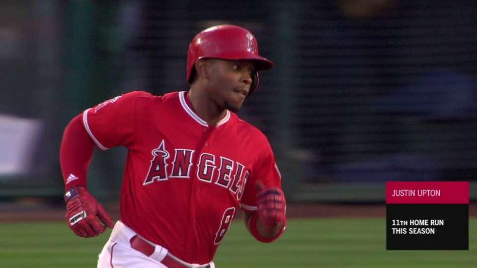Upton's 2-run home run