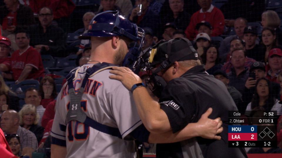 Ump Culbreth leaves after injury