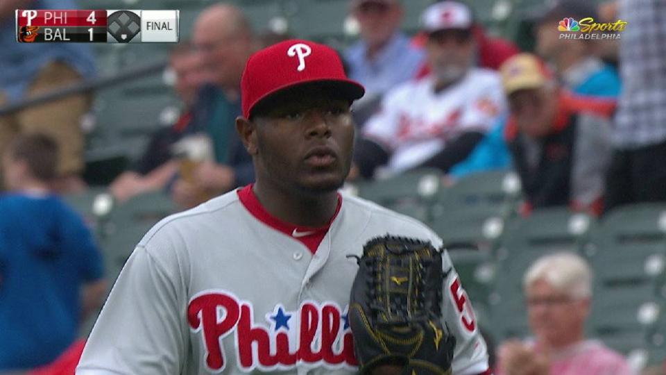 Neris closes out Phillies' win