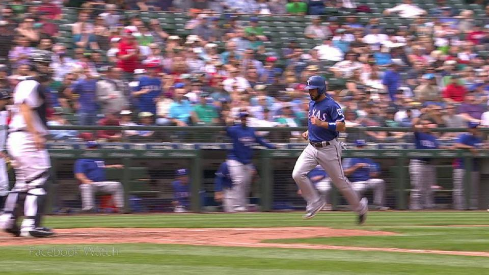 DeShields' go-ahead RBI double