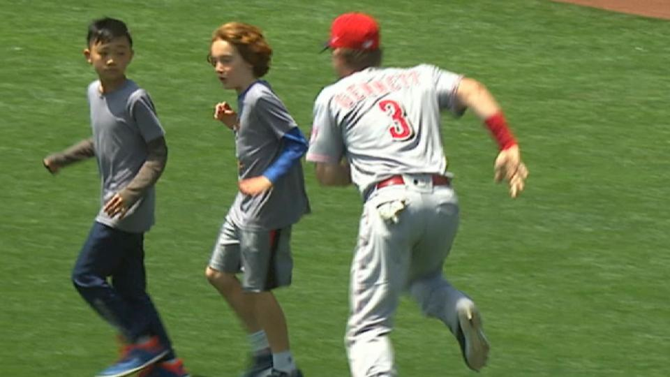 Gennett has fun with some kids