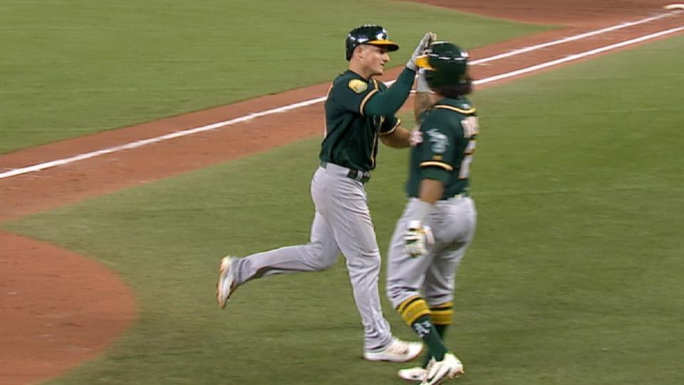 Chapman's 2-run home run