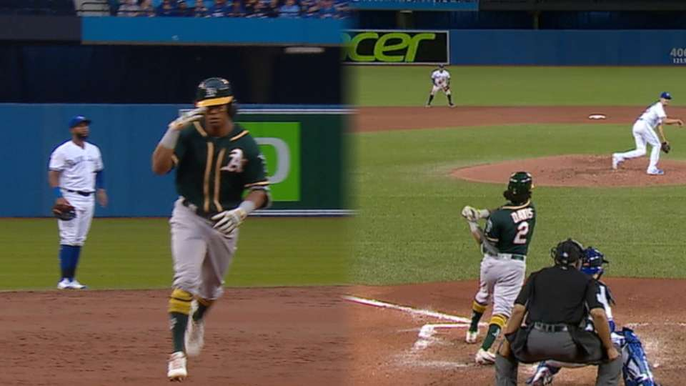 Davis collects 4 hits, 13th HR