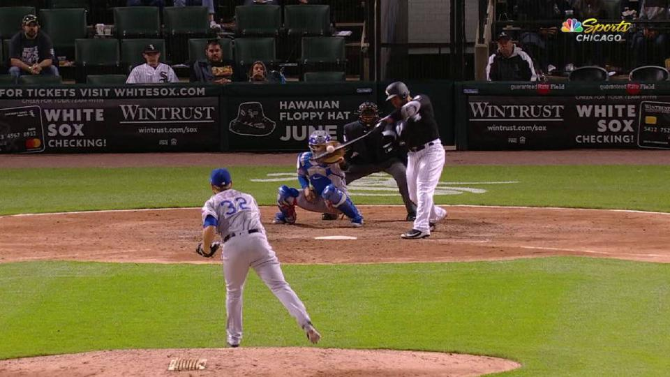 Castillo's go-ahead hit in 8th