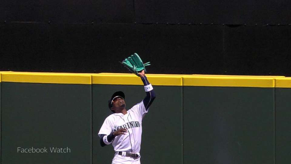 Gordon's leaping catch at wall