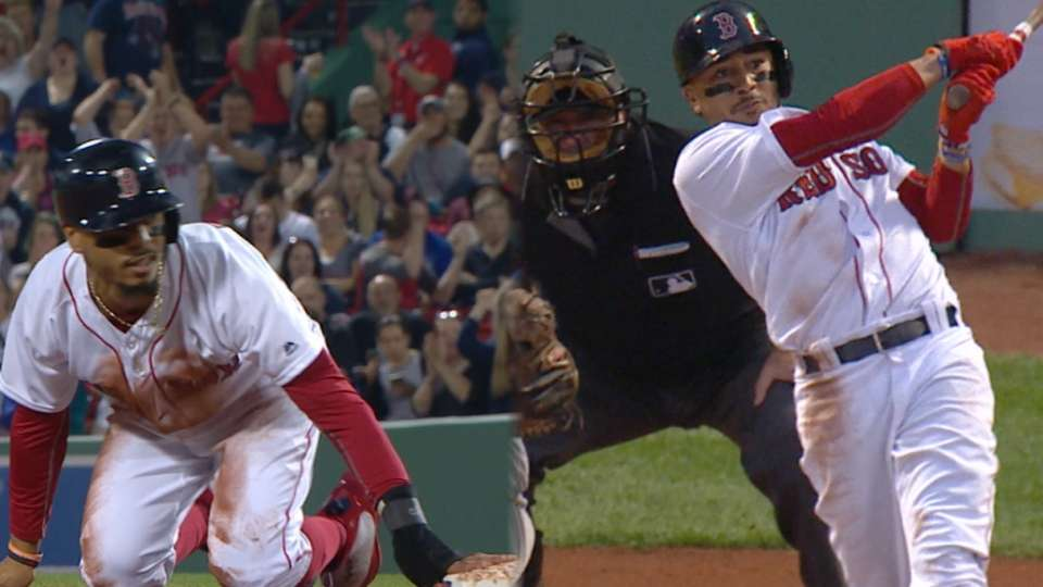 Betts' 3-hit, 3-steal game
