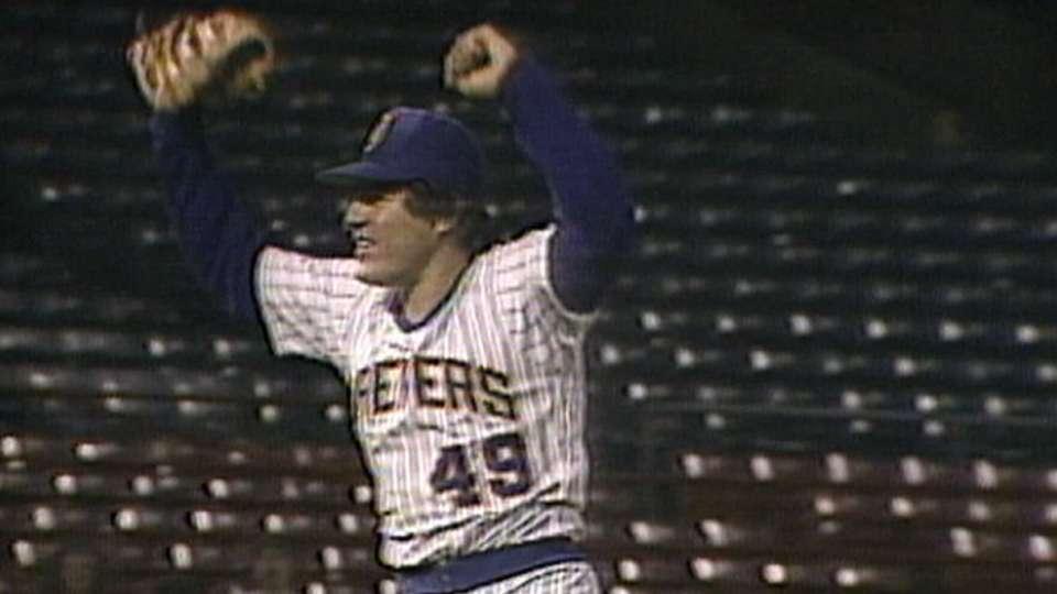 Higuera seals 20th win of 1986