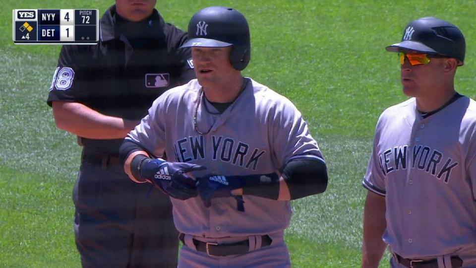 Frazier's run-scoring single