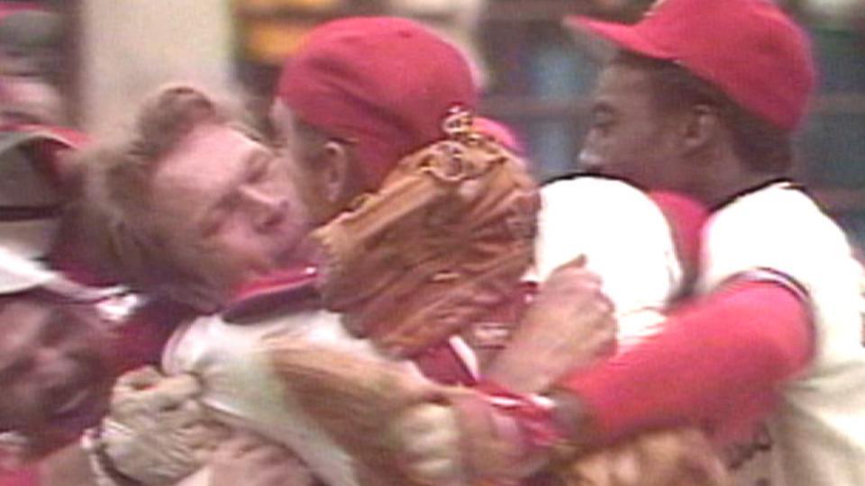 Bob Forsch completes no-hitter
