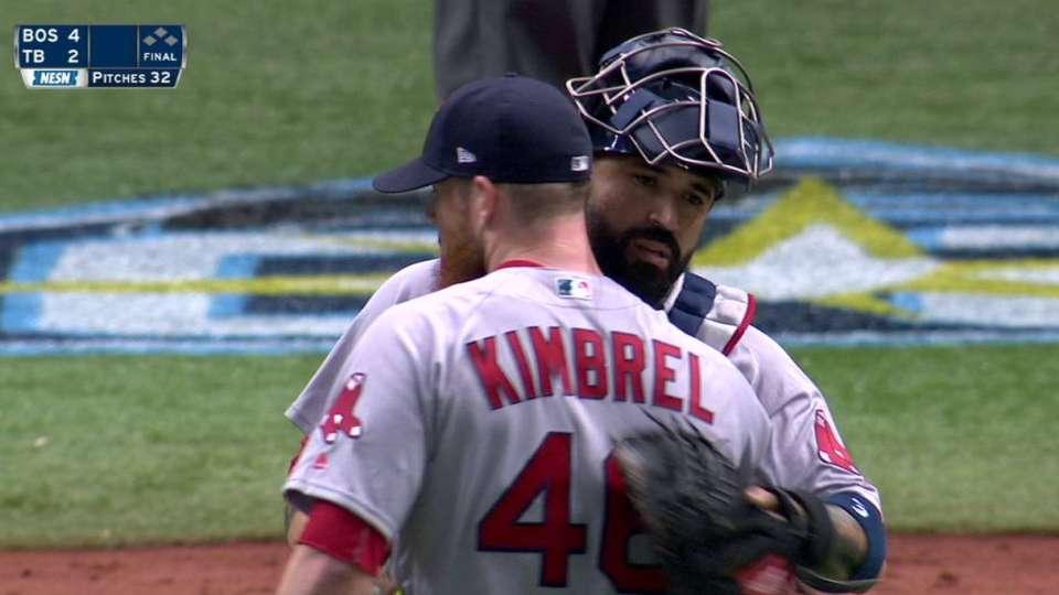 Kimbrel earns his 14th save