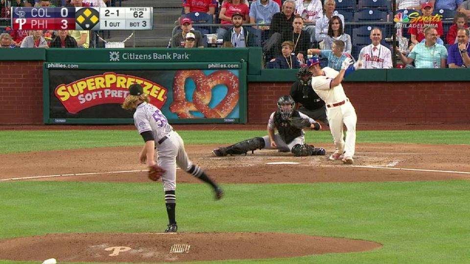 Kingery's sac fly to center
