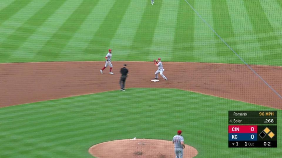 Romano gets inning-ending DP