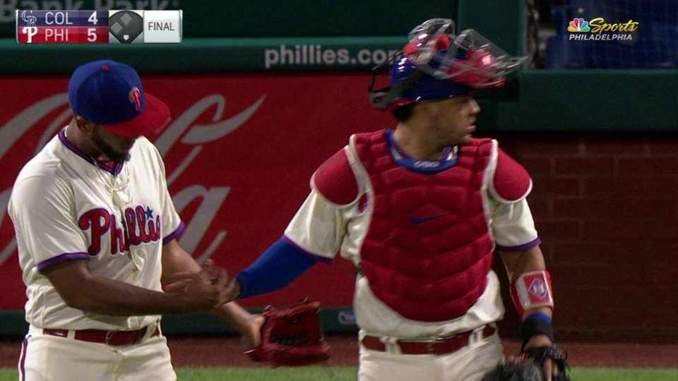 Dominguez seals Phillies' win