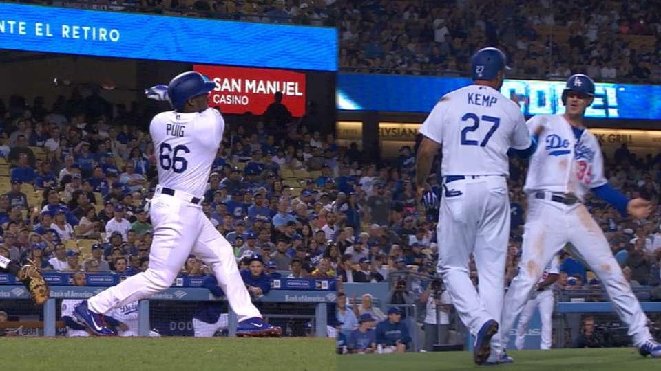 Dodgers' 7-run 4th frame